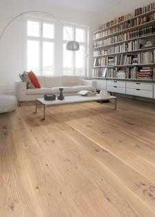 Entscheidet Man Sich Für Holz Der Schwedischen Eiche, Erhält Man Ein  Parkett Mit Einer Unverwechselbaren Ausstrahlung In Außergewöhnlicher  Qualität.