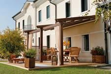 terrassen berdachung aus holz. Black Bedroom Furniture Sets. Home Design Ideas