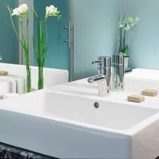 Moderne badezimmergestaltung mut zur farbe - Moderne badezimmergestaltung ...