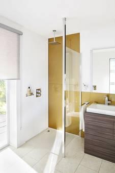 barrierefrei duschen komfort und sicherheit im badezimmer. Black Bedroom Furniture Sets. Home Design Ideas