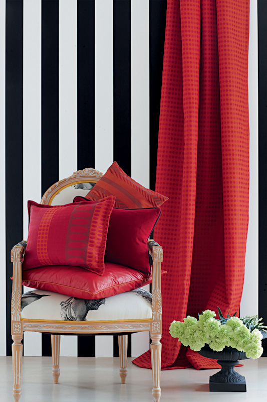 Farbe rot im wohnraum for Farben im wohnraum
