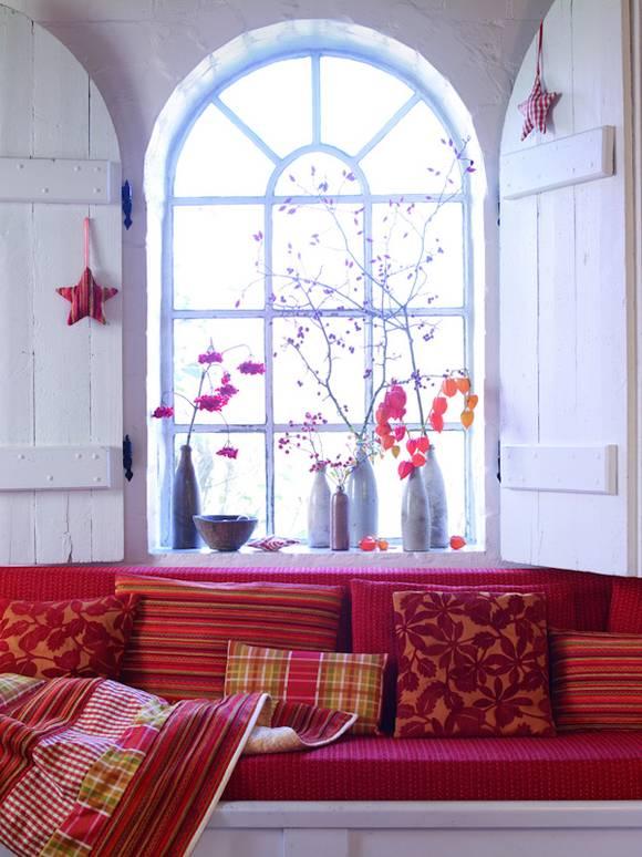 farbe rot im wohnraum. Black Bedroom Furniture Sets. Home Design Ideas