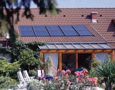 eignet sich mein dach f r eine solaranlage. Black Bedroom Furniture Sets. Home Design Ideas