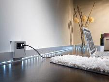 vernetzte sockelleiste. Black Bedroom Furniture Sets. Home Design Ideas