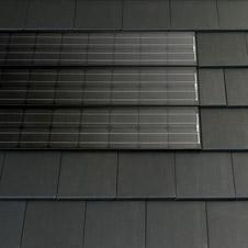 Ins dach integrierte photovoltaik for Badideen unterm dach