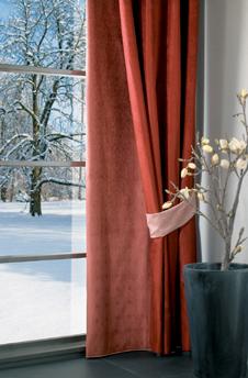 Mit Gardinen die Wärme im Raum halten