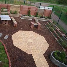 Sandsteinboden Von Brinkmann Fur Einen Platz Mitten Im Garten